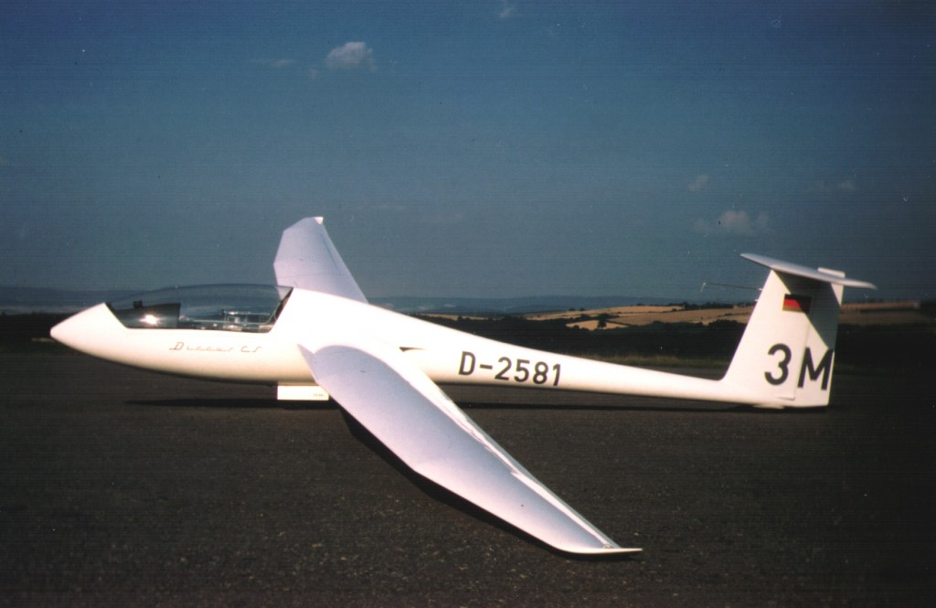 Discus-CS D-2581 Einsitziges Leistungsflugzeug (auch für Flugschüler)