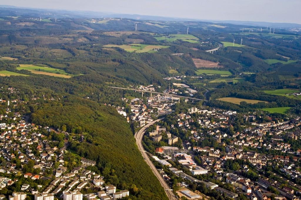 Städte und Naturlandschaften grenzen aneinander, wie hier in der Nähe von Hagen.